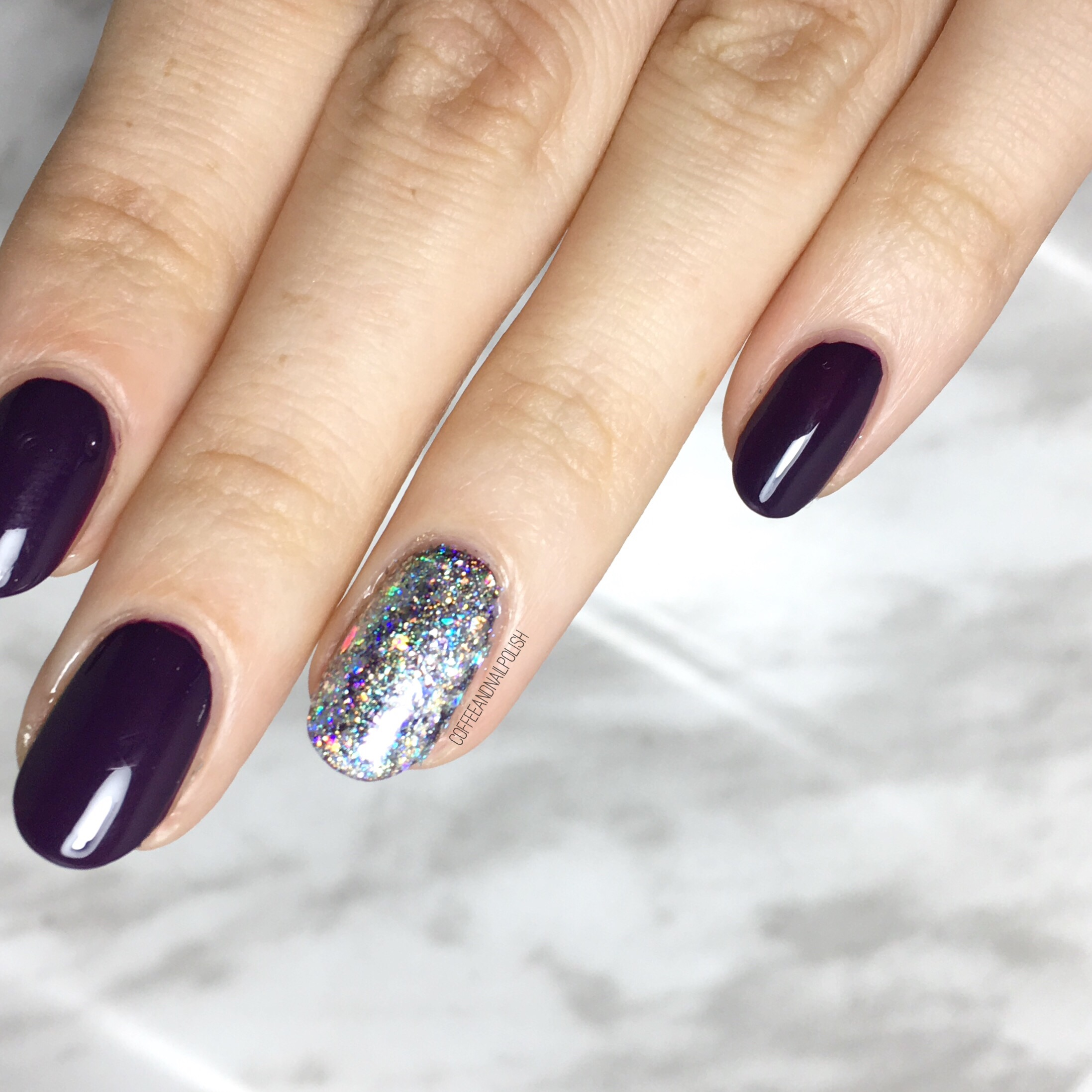 Holo Accent Nails using NailStuff.ca Holo Pigment! – Coffee & Nail ...