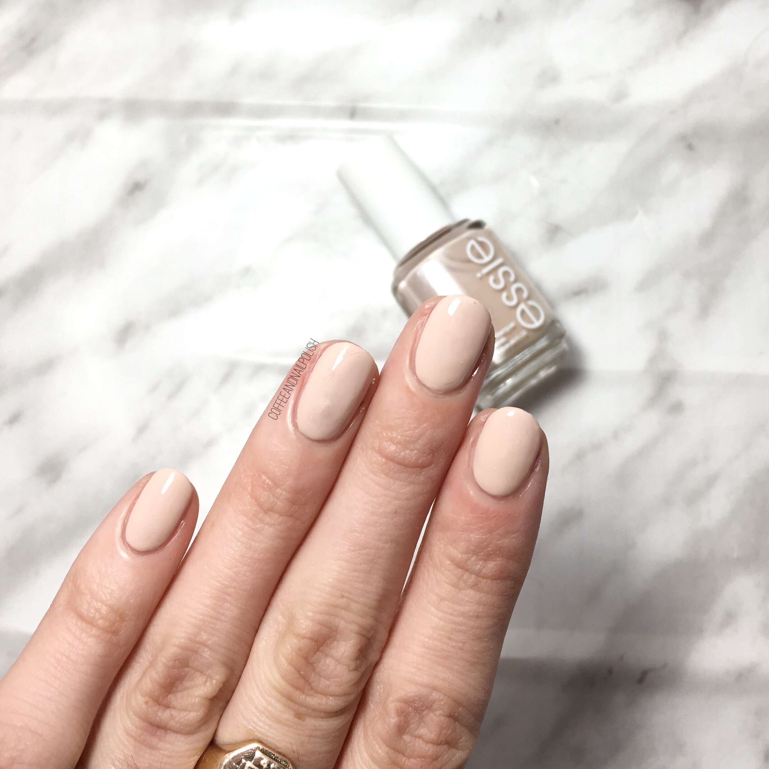 Nails, wanted!: Essie Topless & Barefoot
