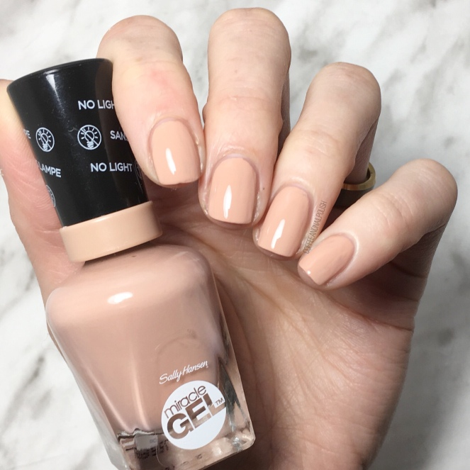 SWATCH SUNDAY — Sally Hansen Miracle Gel Travel in Colour